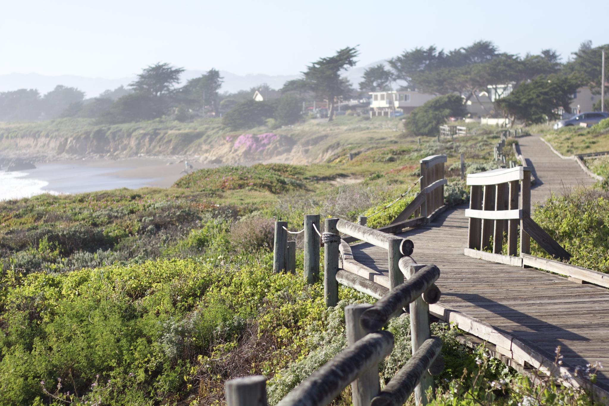"""Titelbild zum Beitrag: """"travel thoughts: Wenn du bereits am ersten Tag angekommen bist"""" mit Reisetipps Highways Nummer 1 und 101 entlang der kalifornischen Küste"""