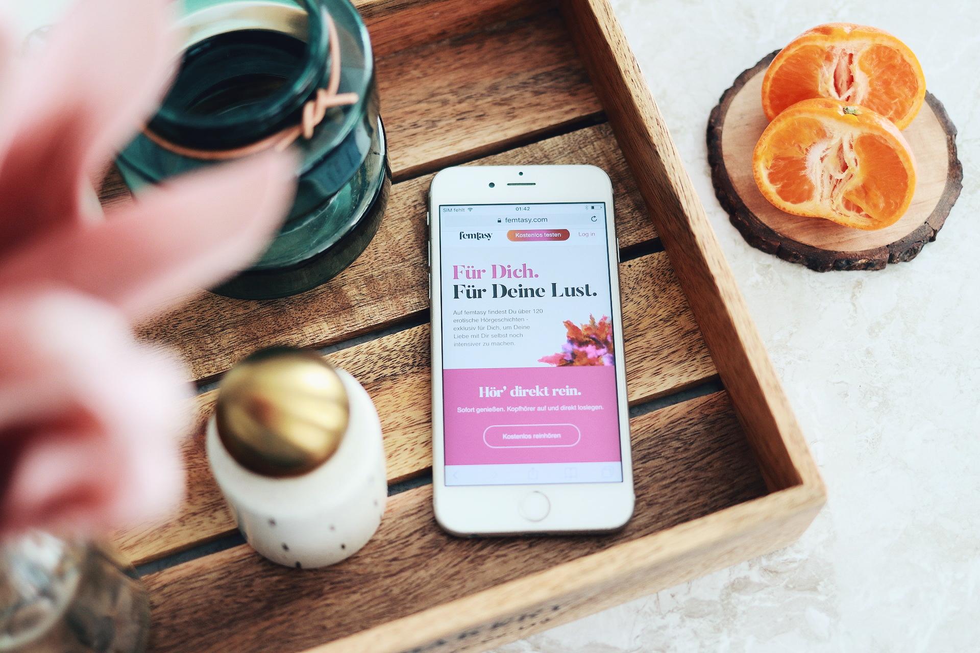femtasy ist eine Streaming-Plattform für kurze erotische Hörgeschichten, die Frauen bei der Selbstbefriedigung begleiten sollen. Ich habe die Gründerin Julie interviewt und stelle euch die Plattform neuer vor.