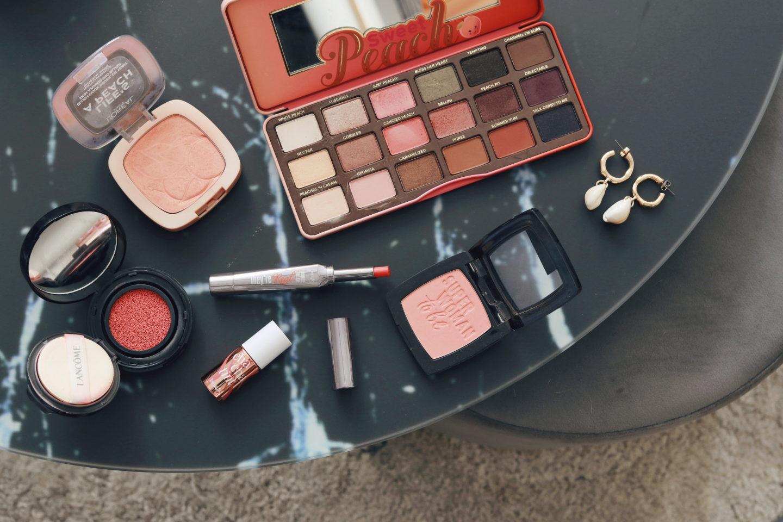 "Trendfarbe ""living coral"": Make-up Look für Rothaarige - Make-Up Produkte"