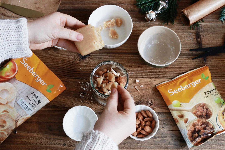 Bratapfel-Konfekt im Glas: DIY Weihnachtsgeschenk aus der Küche: Last Minute Wichtelgeschenk