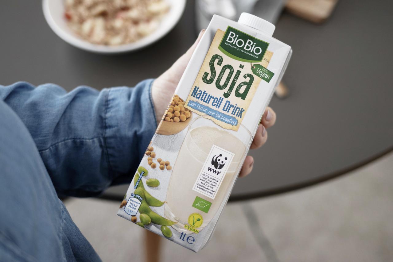 Die besten veganen Milchalternativen für deinen Kaffee, Müsli & Co.
