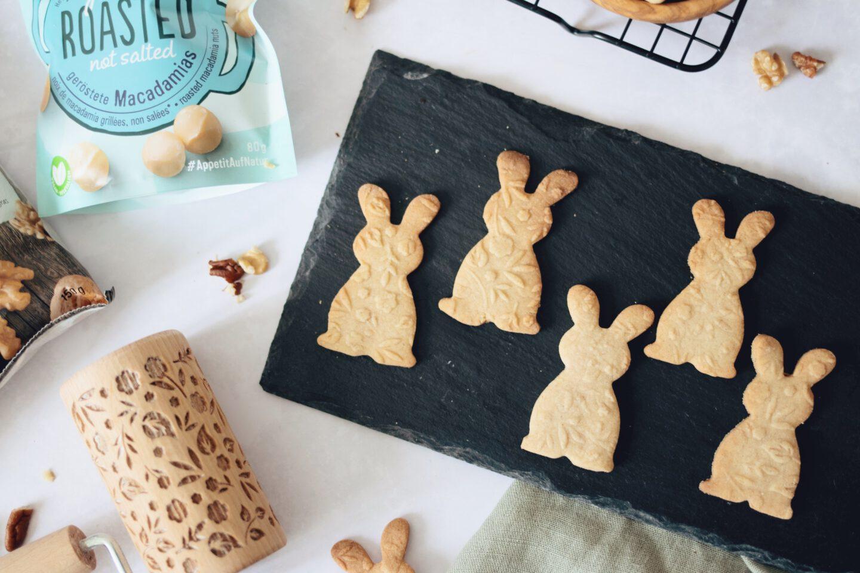 Backen mit Seeberger-Nüssen: Butterkekse in Hasenform für Ostern